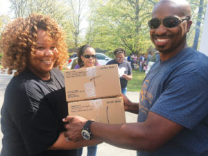 submitted-New-Communion-Mobile-Market-and-Pantry-delivers-meal-United-Way